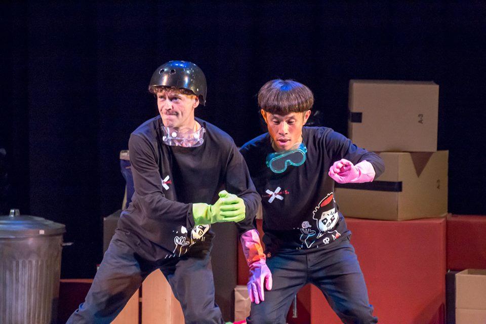 funny-bones_trash-show-3